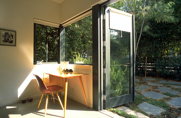 Modern Home Office by Chu+Gooding Architects
