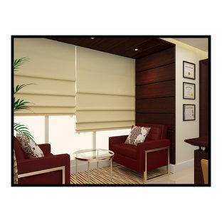 他の地域の中サイズのコンテンポラリースタイルのおしゃれな書斎 (ベージュの壁、大理石の床、自立型机、ベージュの床) の写真
