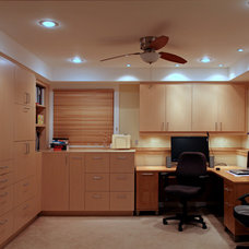 Modern Home Office by VV Contracting, Inc