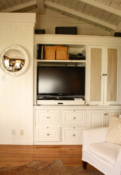 Traditional Home Office by Shannon Malone