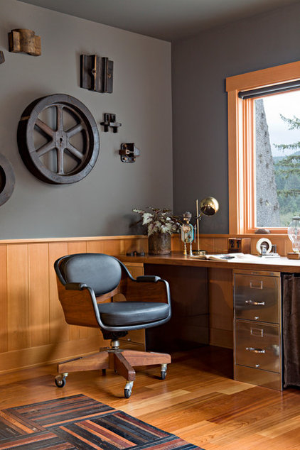 Industrial Home Office by Jessica Helgerson Interior Design