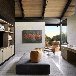Modelo de despacho madera, abovedado y madera, contemporáneo, pequeño, madera, con madera, paredes beige, suelo de cemento, escritorio empotrado y suelo gris