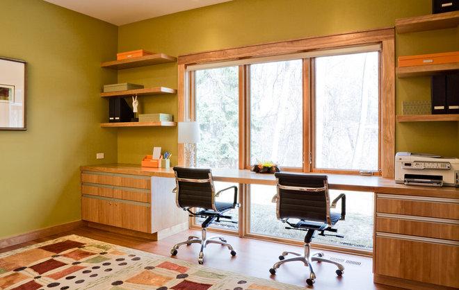 Modern Home Office by Streeter & Associates, Inc.