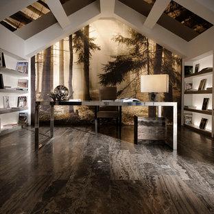 Immagine di un ampio studio contemporaneo con libreria, pareti bianche, pavimento in gres porcellanato, nessun camino e scrivania autoportante