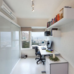 modern home office by S.I.D.Ltd.