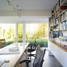 Modern Home Office by Billinkoff Architecture PLLC