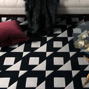 メルボルンの中サイズのエクレクティックスタイルのおしゃれなアトリエ・スタジオ (グレーの壁、カーペット敷き、暖炉なし、造り付け机、グレーの床) の写真