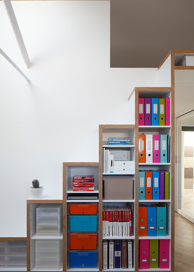 Contemporary Home Office by Ensoul Ltd