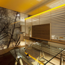 Eclectic Home Office by vgzarquitectura y diseño sc