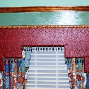 ウィルミントンのエクレクティックスタイルのおしゃれな書斎 (緑の壁、カーペット敷き) の写真