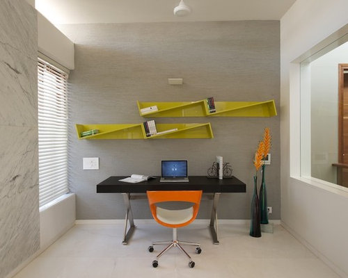 Home Office   Modern Freestanding Desk Home Office Idea In Ahmedabad With  White Walls