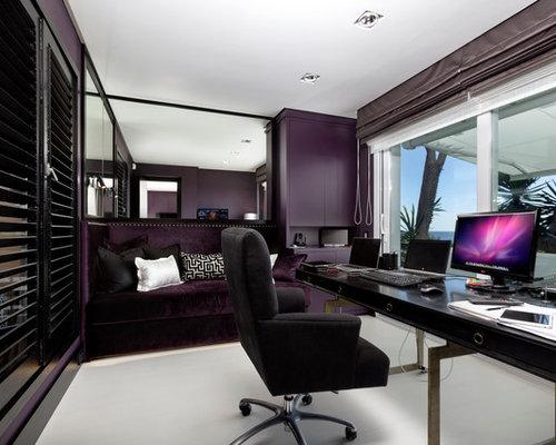 ejemplo de despacho moderno de tamao medio sin chimenea con paredes prpuras - Decoracion Despachos