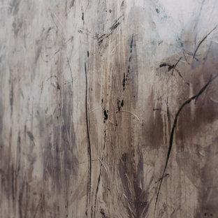 Idee per un grande studio moderno con pareti grigie, pavimento con piastrelle in ceramica e camino sospeso