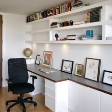 Modern Home Office by rectangle design inc