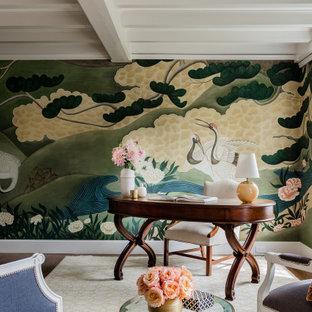 Idée de décoration pour un bureau tradition avec un mur multicolore, un sol en bois foncé, une cheminée standard, un bureau indépendant, un sol marron, un plafond à caissons et du papier peint.