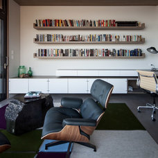 Contemporary Home Office by BWArchitects (formerly Basil Walter Architects)