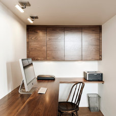 Contemporary Home Office by Gepetto