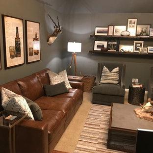 Foto di un ufficio stile rurale di medie dimensioni con pareti grigie, moquette, camino sospeso, scrivania autoportante e pavimento beige
