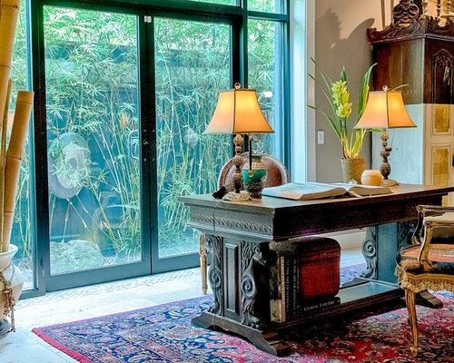 bureau de taille moyenne avec un sol en calcaire photos et id es d co de bureaux. Black Bedroom Furniture Sets. Home Design Ideas