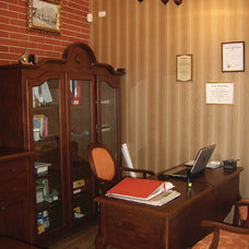 Traditional Home Office by Angel Mangarakov