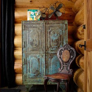 シアトルの小さいエクレクティックスタイルのおしゃれなアトリエ・スタジオ (グレーの壁、スレートの床、自立型机) の写真