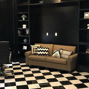 他の地域の中くらいのコンテンポラリースタイルのおしゃれな書斎 (黒い壁、大理石の床、自立型机、マルチカラーの床) の写真