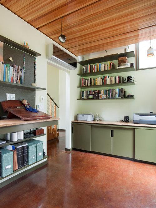 Moderne arbeitszimmer mit gr ner wandfarbe ideen design - Wandfarbe arbeitszimmer ...