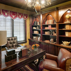 Traditional Home Office by lisa limited