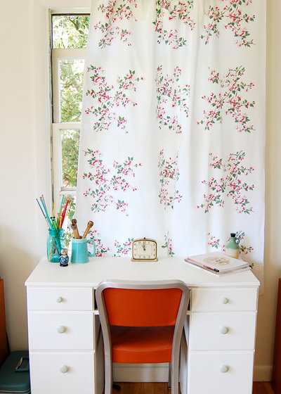 Shabby-chic Style Home Office by Lola Nova