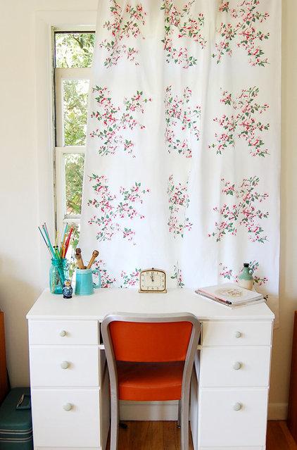 Shabby chic Home Office by Lola Nova