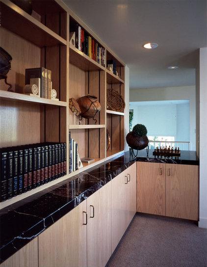 Modern Home Office by Susan Cohen Associates, Inc.