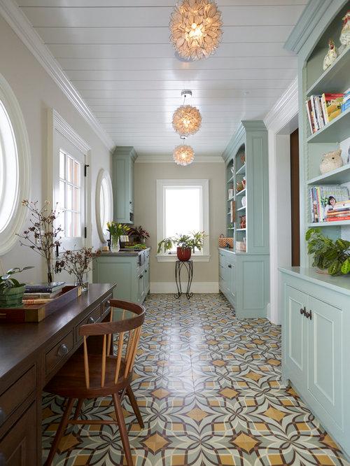 Landhausstil arbeitszimmer mit grauer wandfarbe ideen for Arbeitszimmer wandfarbe