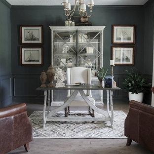 Idée de décoration pour un bureau tradition de taille moyenne avec un mur gris, un sol en vinyl, aucune cheminée, un bureau indépendant et un sol gris.