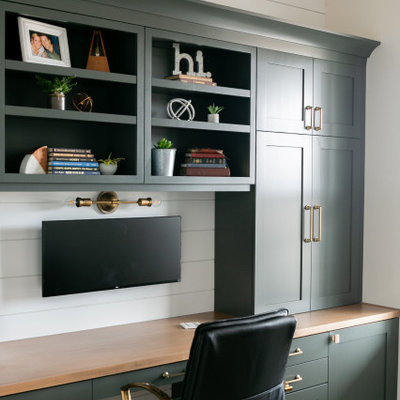 Example of a country home office design in Denver