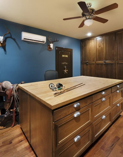Traditional Home Office by Soledad Builders, LLC