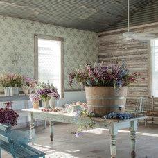 Farmhouse Home Office by Amy Neunsinger