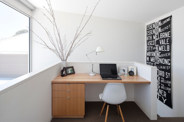 Modern Home Office by Luke Stanley Architects