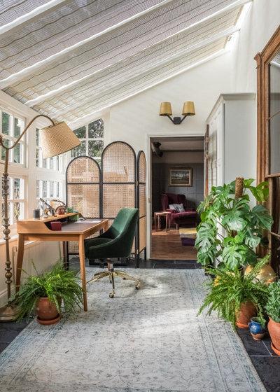 エクレクティック ホームオフィス・書斎 by Emilie Fournet Interiors
