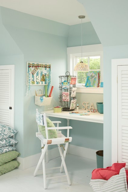 Beach Style Home Office by Tracey Rapisardi Design