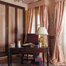 Traditional Home Office by COLECCION ALEXANDRA