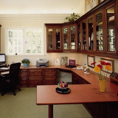 traditional home office by Malka Sabroe-JoHanson