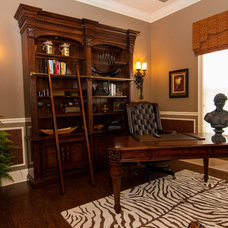 Traditional Home Office by Studio KW Photography