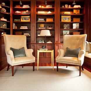 Свежая идея для дизайна: кабинет в стиле неоклассика (современная классика) с темным паркетным полом - отличное фото интерьера