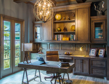 Transitional Home in the heart of The Woodlands