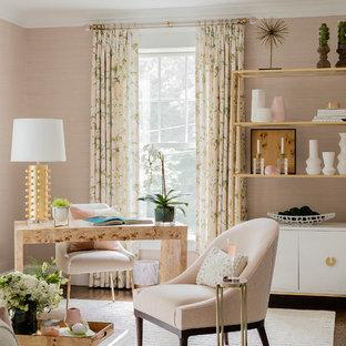ボストンのトランジショナルスタイルのおしゃれな書斎 (ピンクの壁、濃色無垢フローリング、暖炉なし、自立型机) の写真