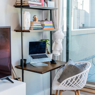 Island style home office photo in New York
