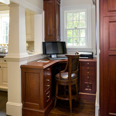 Traditional Home Office by 1 plus 1 design
