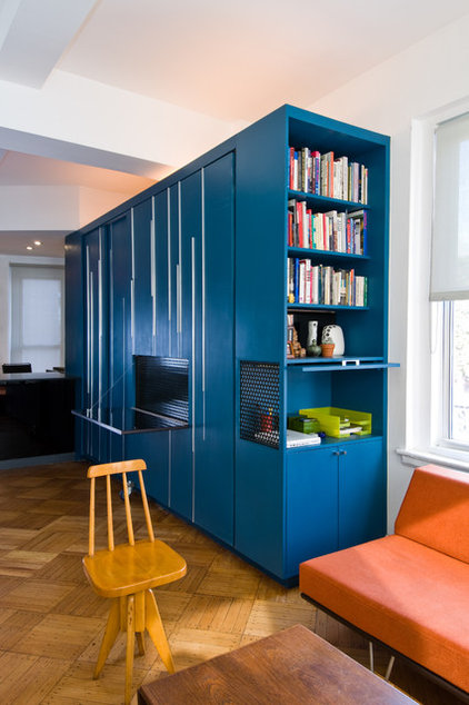 Modern Home Office by Michael K Chen Architecture