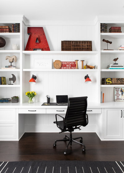 Farmhouse Home Office by Chango & Co.