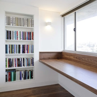 Example of a minimalist home office design in Sydney